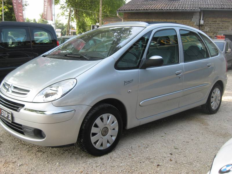 a vendre xsara picasso 1 6l 16v sans plomb seulement 29000km toulouse vente de v hicules d. Black Bedroom Furniture Sets. Home Design Ideas