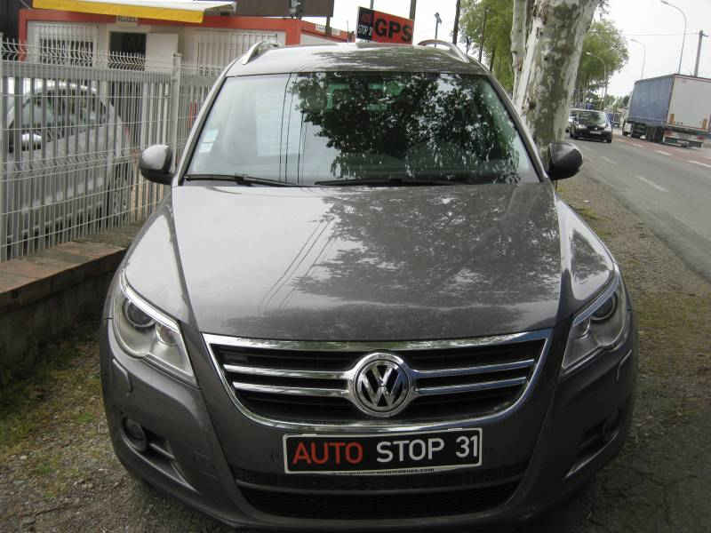 a vendre vokswagen tiguan 2 0l tdi 140 sportline 4x4 toulouse fenouillet vente de v hicules. Black Bedroom Furniture Sets. Home Design Ideas